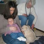 Enkeltochter Lea, Tochter Monika, Urgroßmutter Käthe prägen meine Welpen