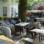 große Pause im Garten-Restaurant